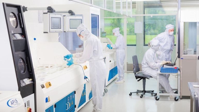 Deposition in clean room
